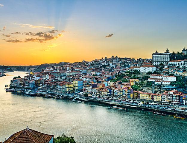 Séjour 2 nuits Holiday Inn Porto Gaia (par personne)