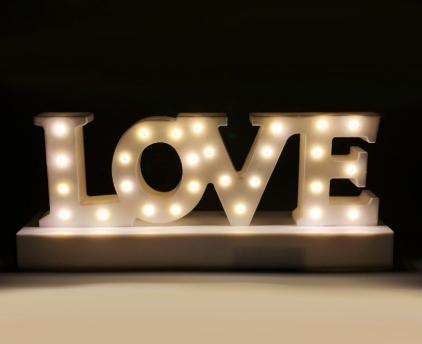 """Sélection de lampes en promotion - Ex: Lampe """"Love"""" à LED"""