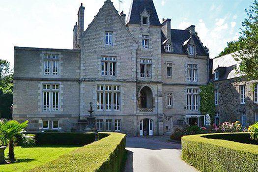 2 ou 3 nuits au Château du Val en chambre standard, Petits déjeuners, 1 dîner 4 plats