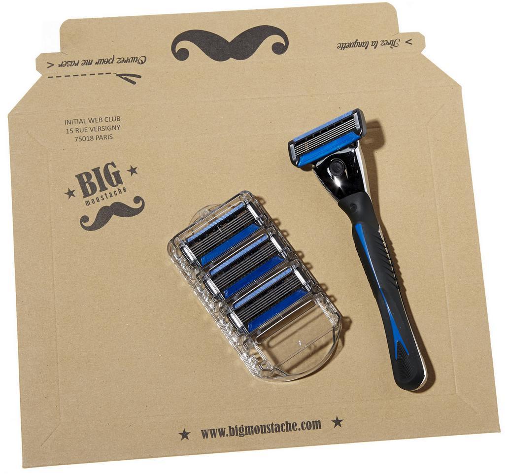 Un kit rasoir + 3 lames gratuit