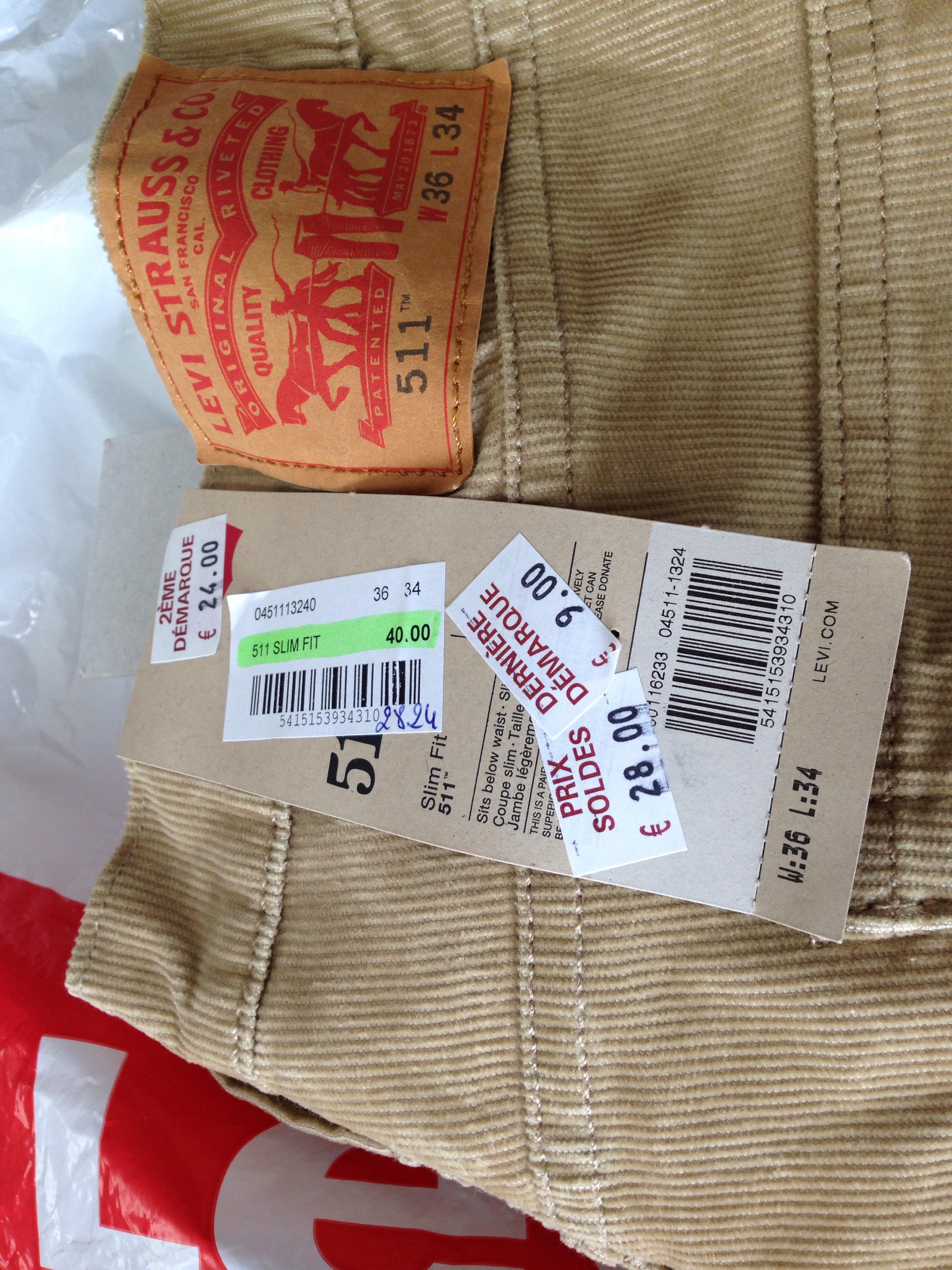 Sélection de jeans Levi's et Dockers soldés - Ex : Levi's 511 Slim Fit en velours
