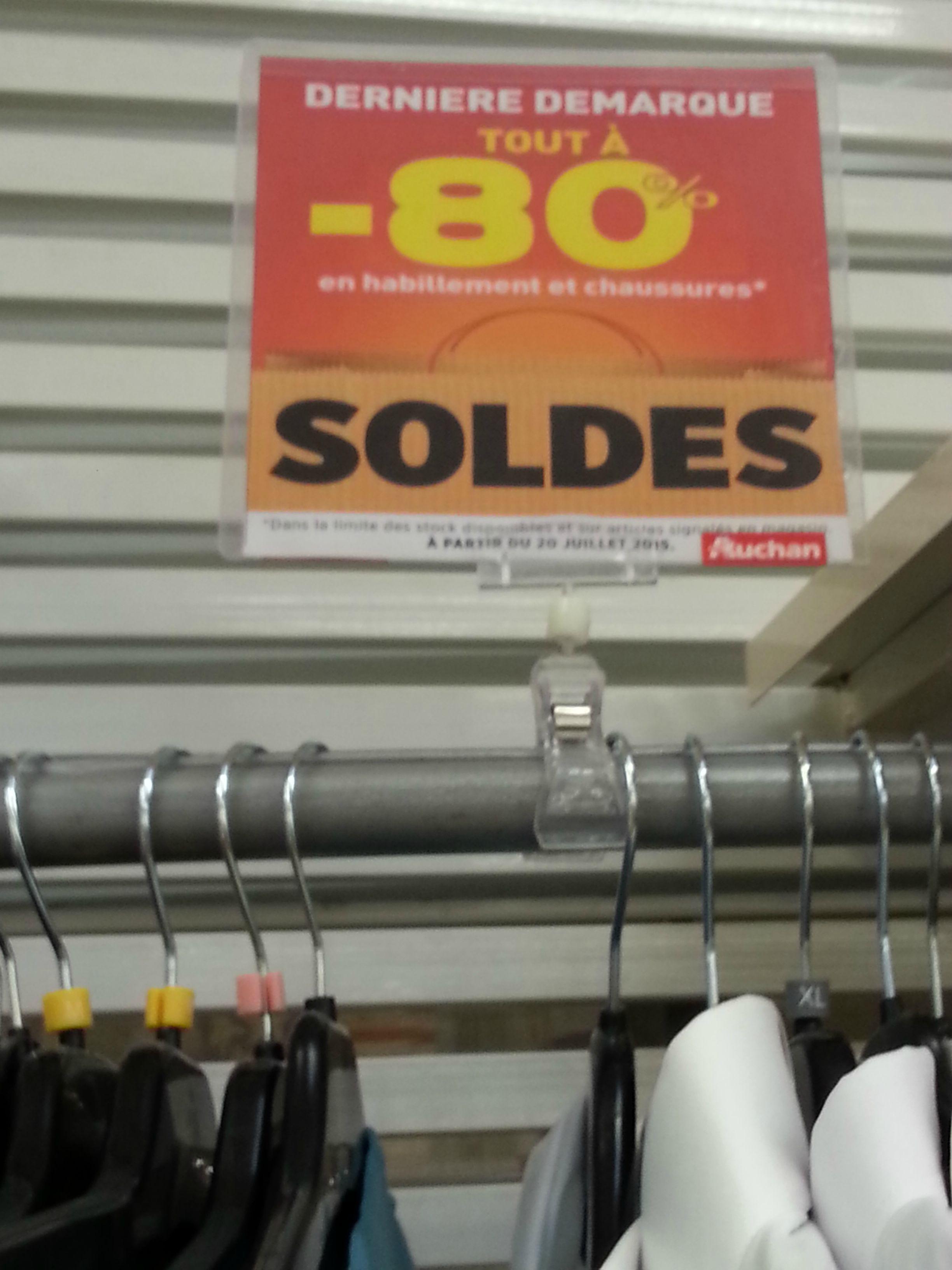 -80% sur le rayon habillement et chaussures soldés - Ex : Chaussures femmes à 2.2€