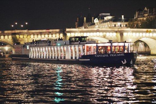 10€ de remise sur les croisières Brunch/Dîner sur la Seine avec Capitaine Fracasse - Ex : Croisière Brunch de 1h30 à 31€