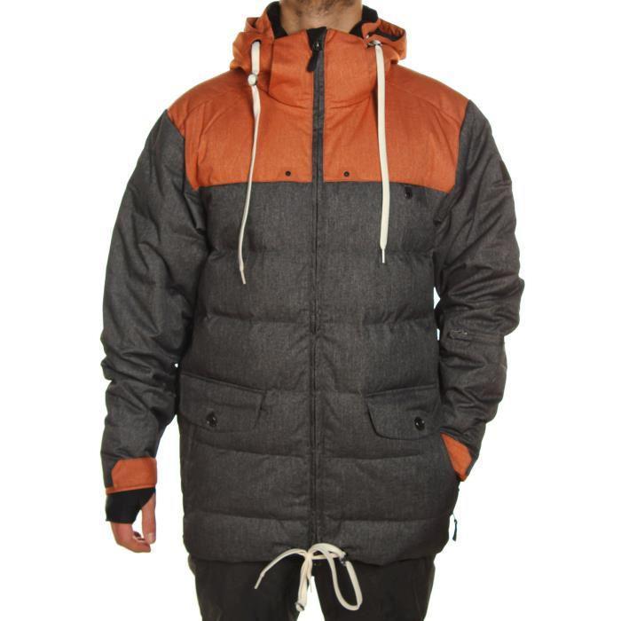 Jusqu'à -90% de réduction sur une sélection de vêtements - Ex : Veste de snowboard Rythm Fugu II (Taille L)