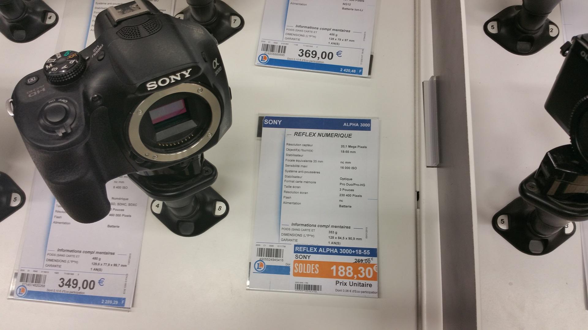 Appareil Photo Hybride Nikon S1 + 11-27.5mm à 118.3€ et Reflex Sony Alpha 3000 + 18-55mm