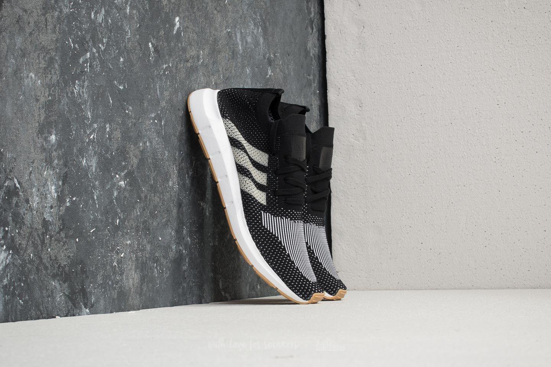 Paire de chaussures adidas Swift Run Primeknit - Noir