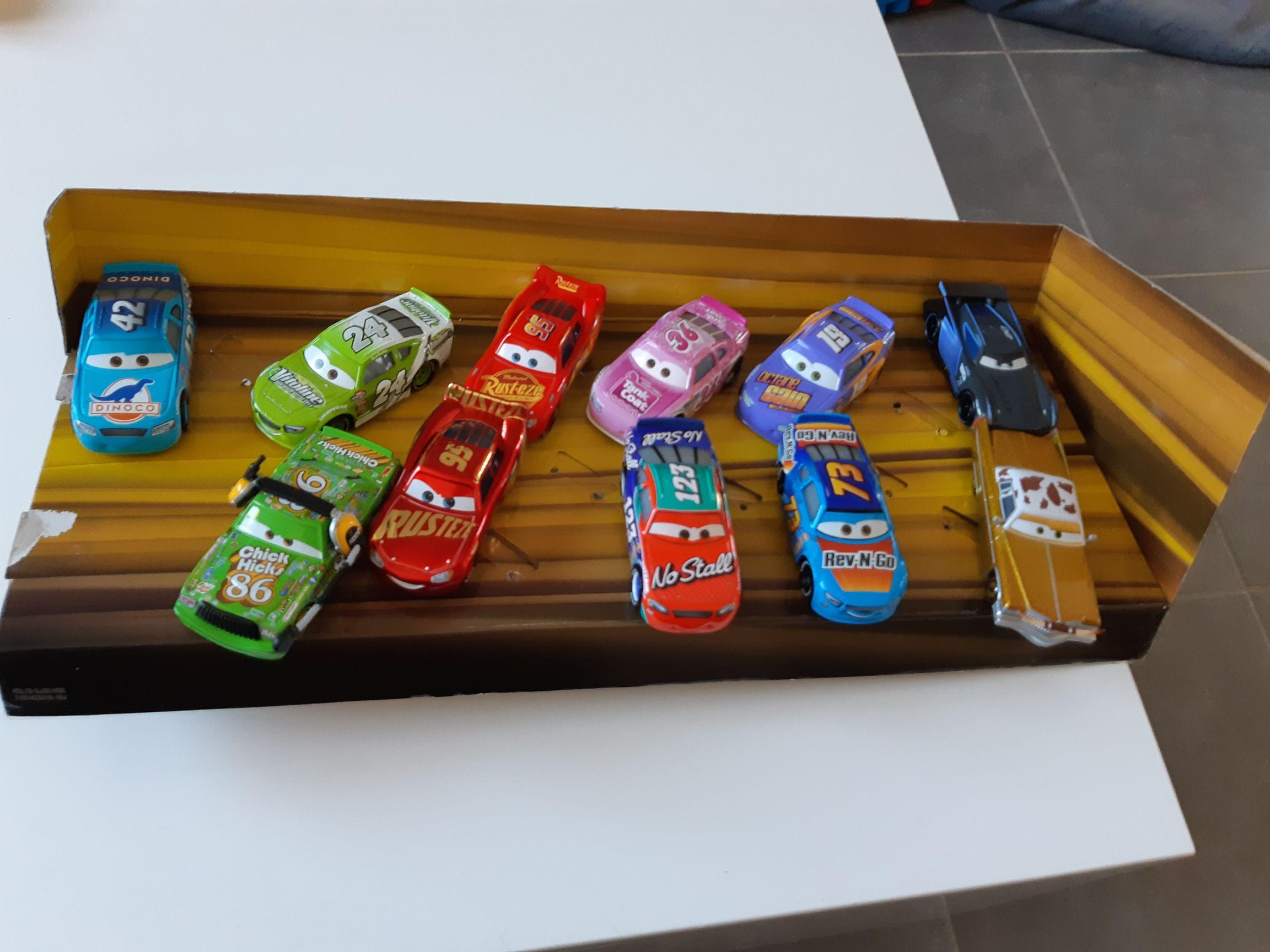Pack de 11 voitures Cars - Venissieux (69)