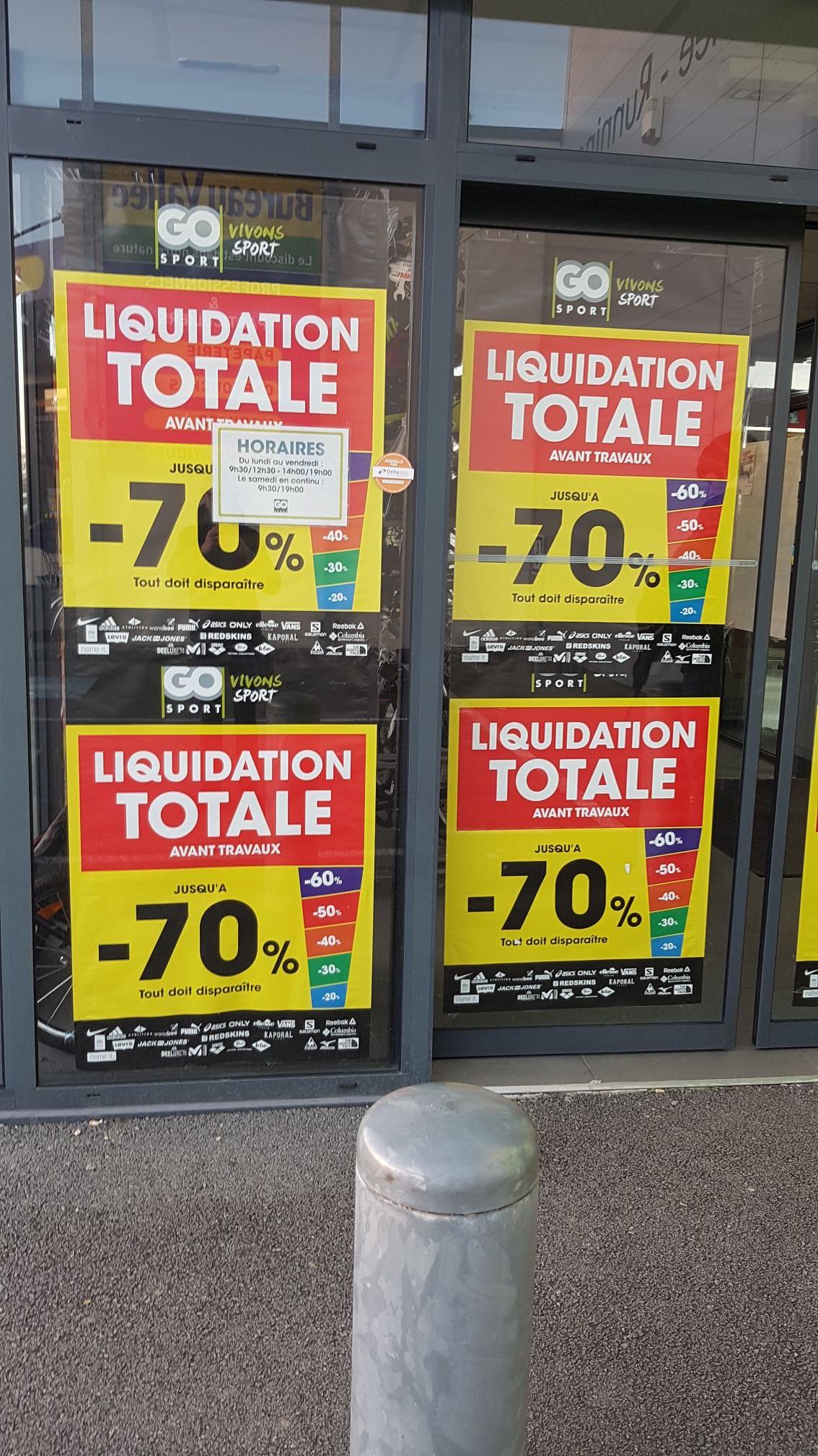 Jusqu'à 70% de réduction sur tout le magasin (liquidation totale) - Muzillac (56) — Ex. : Manteau The North Face La Paz à 100 €