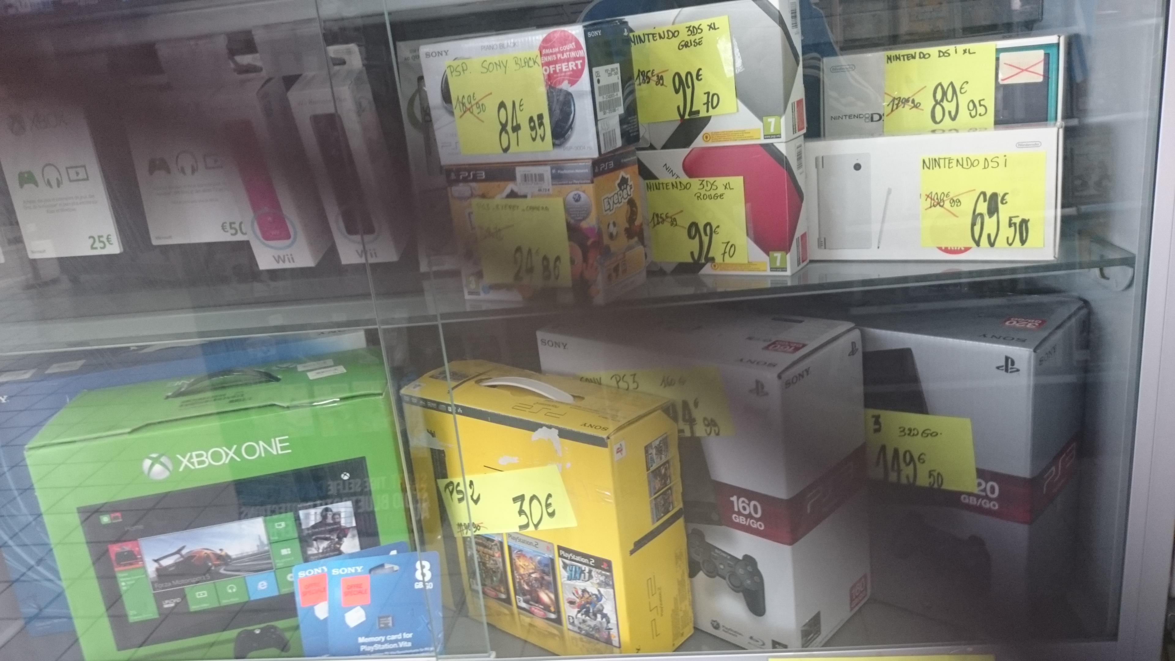 Promotion sur une sélection de consoles (PSP, PS3, DS...) - Ex:  Nintendo 3DS XL