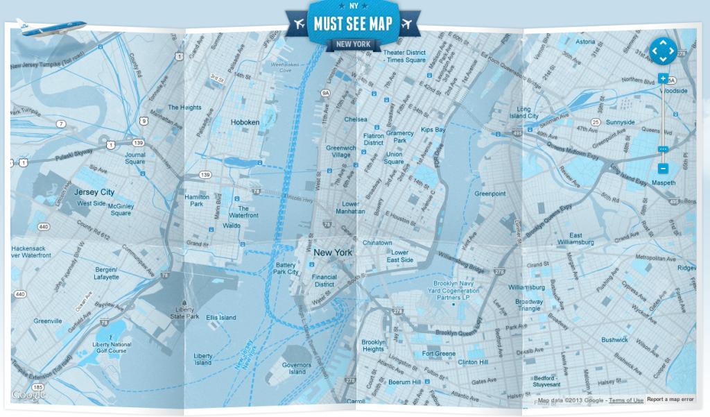 Une carte papier d'une grande ville offerte