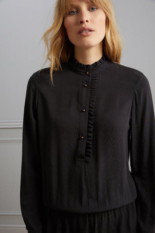 Jusqu'à 60% de réduction sur une sélection d'articles + 10% supplémentaires des 3 articles - Ex: Robe-chemise Femme