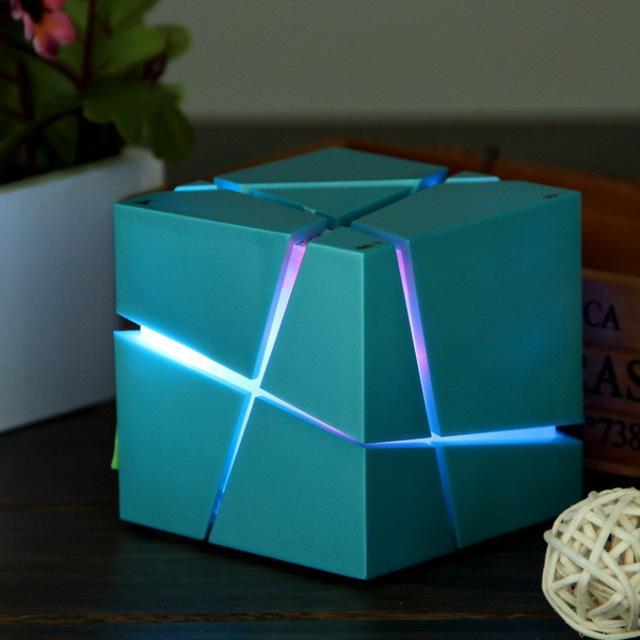 Mini enceinte Bluetooth avec micro intégré Style Rubik's Cube avec LED Multicolore