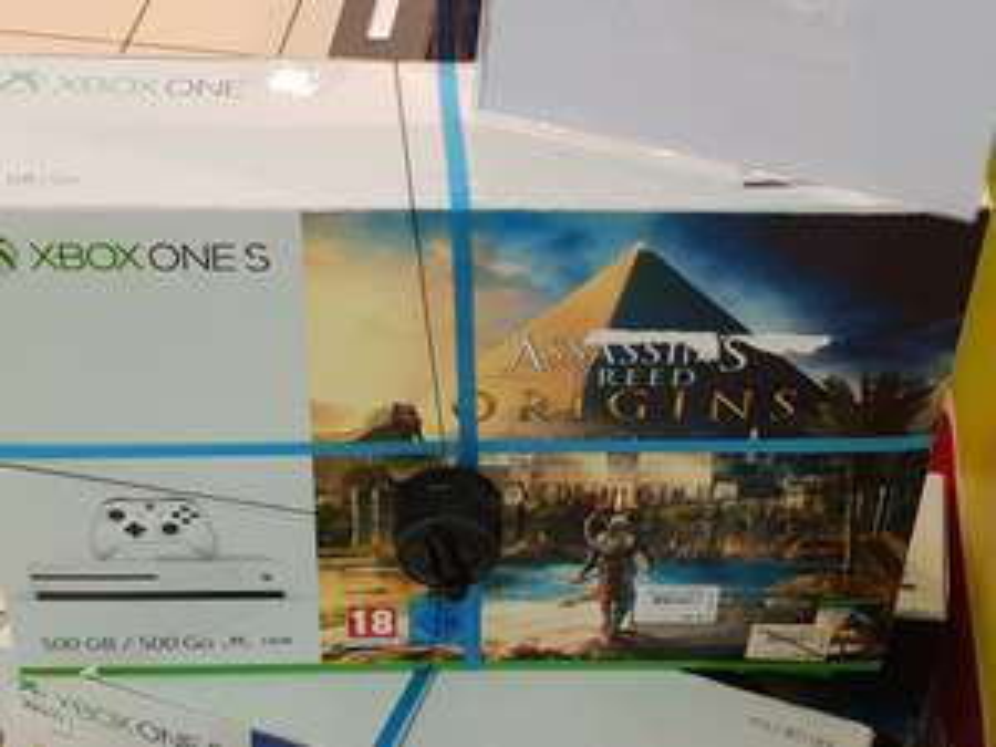 Console Microsoft Xbox One S 500go + Assassin's Creed Origins ou Forza Horizon 3 - Fleury les Aubrais (45)
