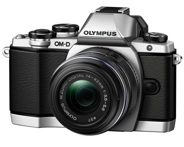 Appareil photo Olympus OM-D E‑M10 + M.Zuiko Digital 14‑42mm 1:3.5‑5.6 II R (via ODR 100€)