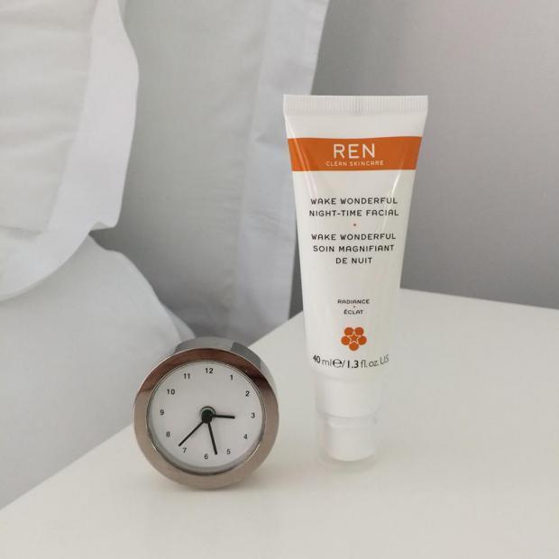 Miniature Wake Wonderful Soin Magnifiant de Nuit de Ren Clean Skincare gratuite