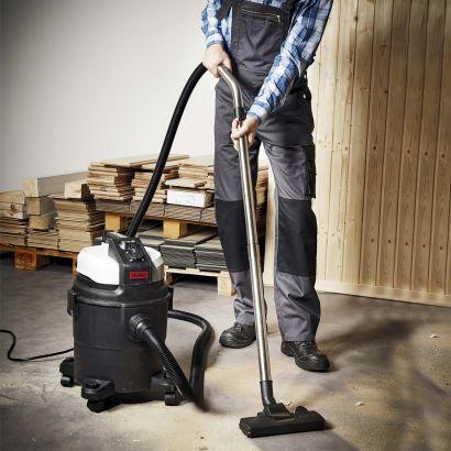 Aspirateur eau et poussière DURO avec prise intégrée