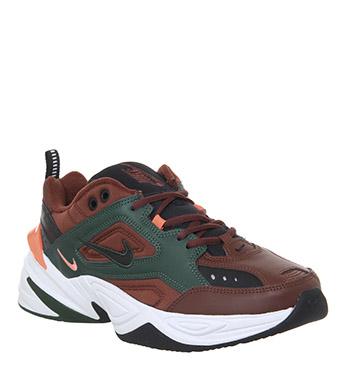 Jusqu'à 60% de réduction sur une sélection d'articles - Ex : Baskets Nike M2K Tekno