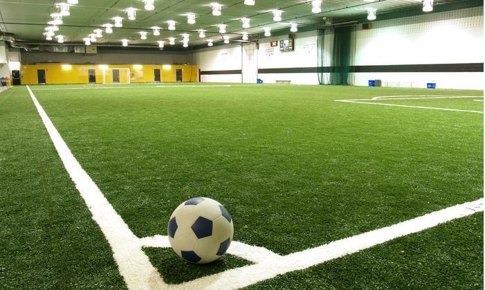 1h location de terrain de football en salle 5 contre 5 chez le 5 DE Légende