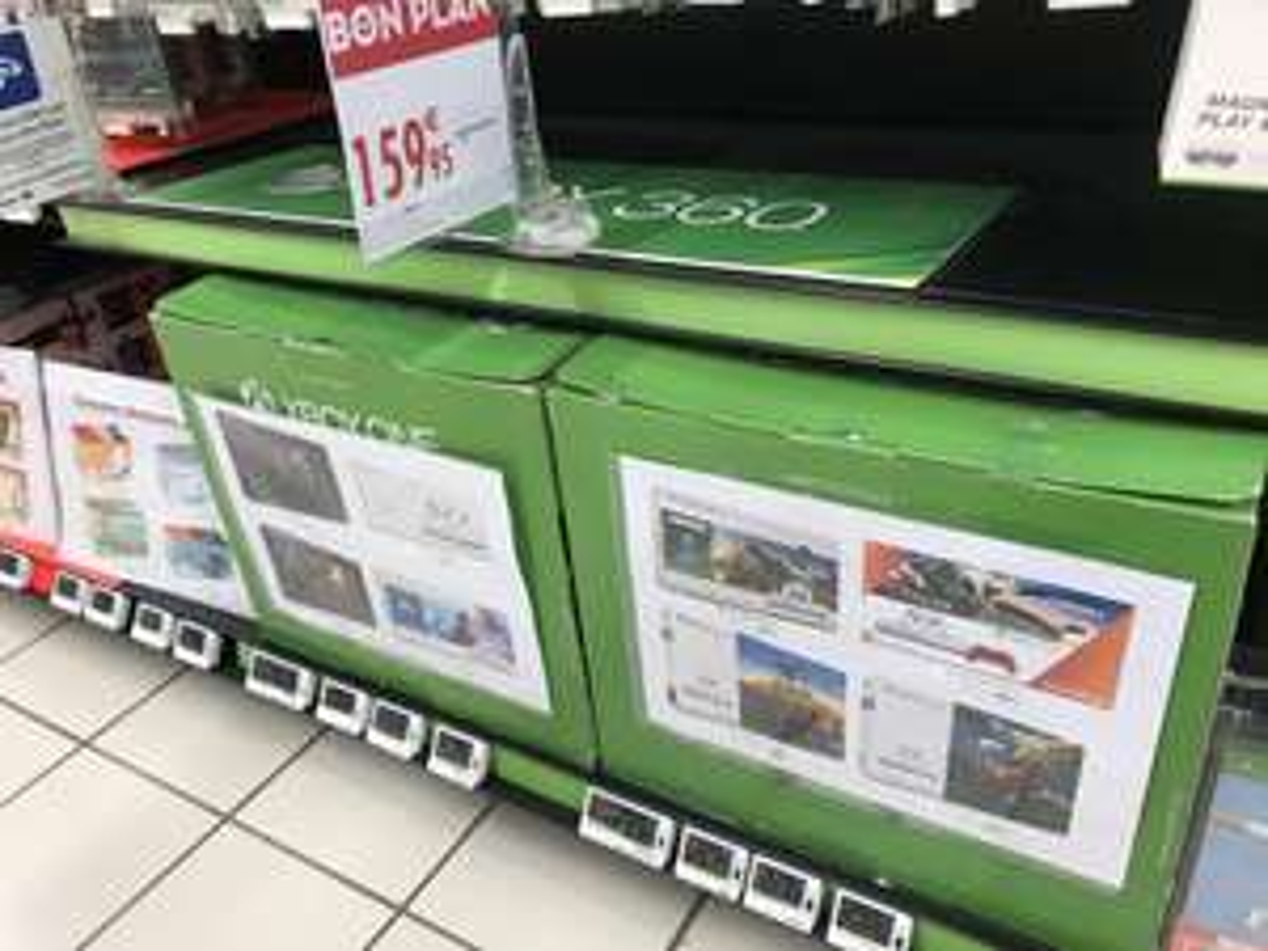 Sélection de packs console Microsoft Xbox One S (1 To) à 159.95€ - Ex : Xbox One S (1 To) + Fortnite - Saint-Herblain (44)