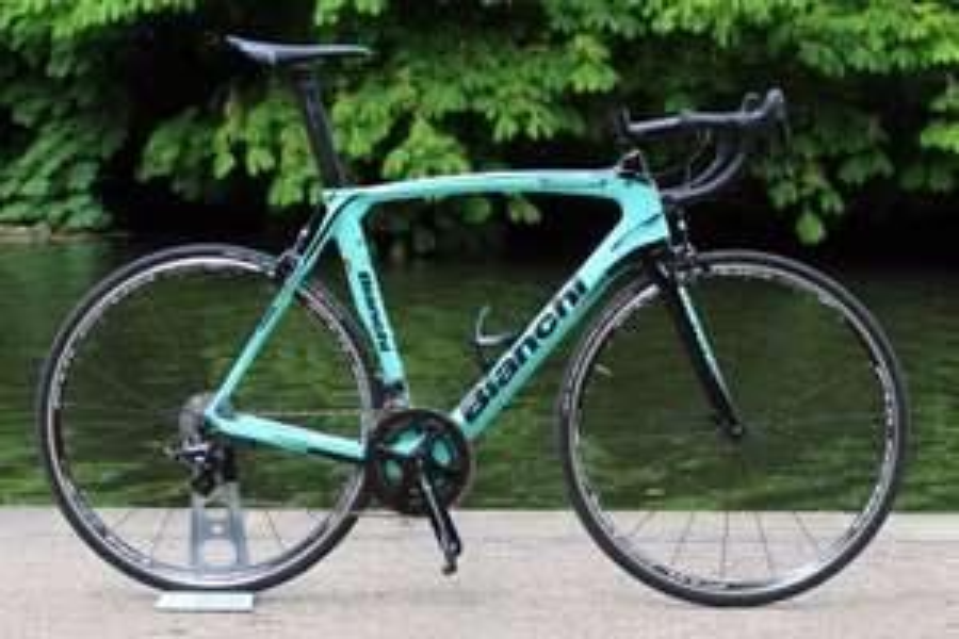 Vélo Aéro Bianchi Oltre XR3 Potenza Carbone (Campagnolo Potenza) - 2018, 55cm, Celeste (hargrovescycles.co.uk)