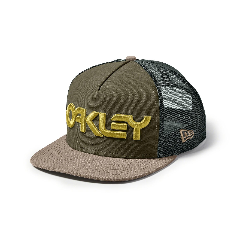 Promotion sur une sélection d'articles Oakley - Ex: Casquette Pilot Trucker