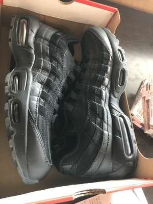 reputable site 4276d 1c359 Chaussures Nike Air Max 95 essential - Nike factory plan de campagne (13)