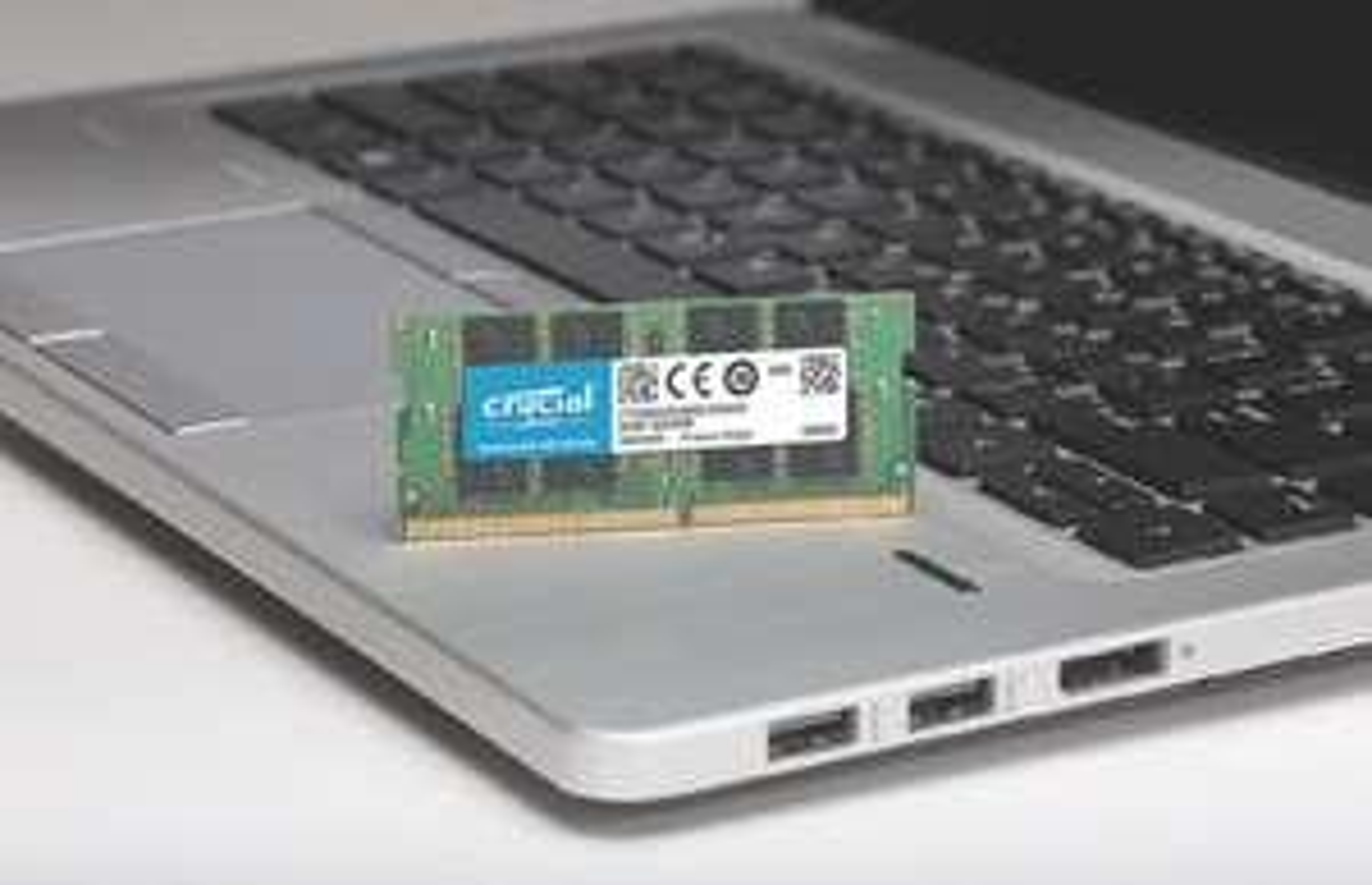 Barrette de RAM SODIMM Crucial - 8 Go (DDR4, 2666Mhz, 260-Pin)