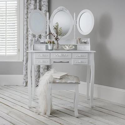Coiffeuse + tabouret - 3 miroirs rabattables - 7 tiroirs - 145x90x40cm (vendeur tiers)