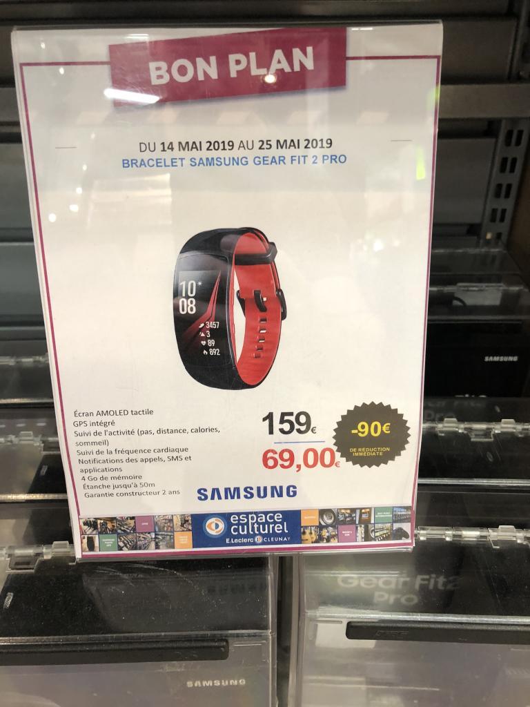 Montre connectée Samsung Gear Fit 2 Pro (noir ou rouge) - Rennes Cleunay (35)
