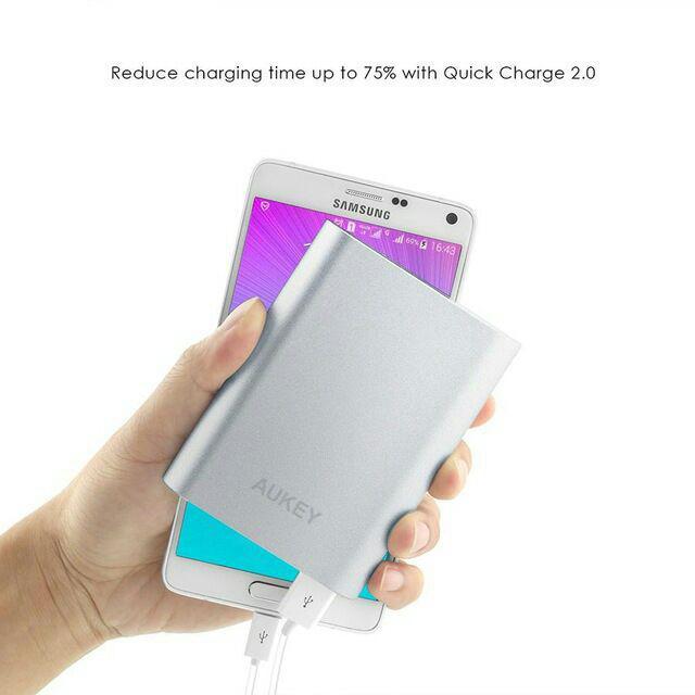 Batterie Externe Portable Aukey 10 000mAh - Qualcomm Quick Charge 2.0