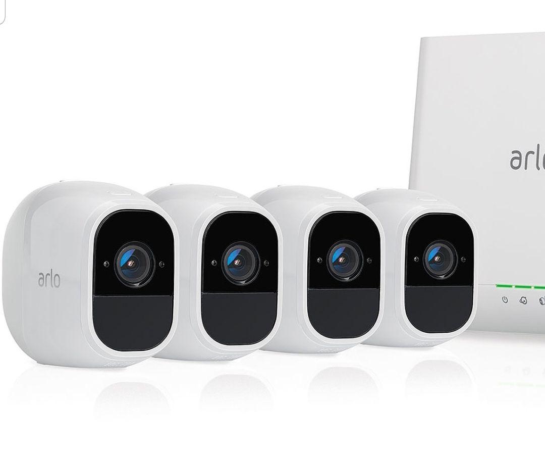 Système de surveillance Arlo Pro 2 avec 4 caméras de surveillance - 1080p HD jour/nuit, grand angle 100% Sans Fils