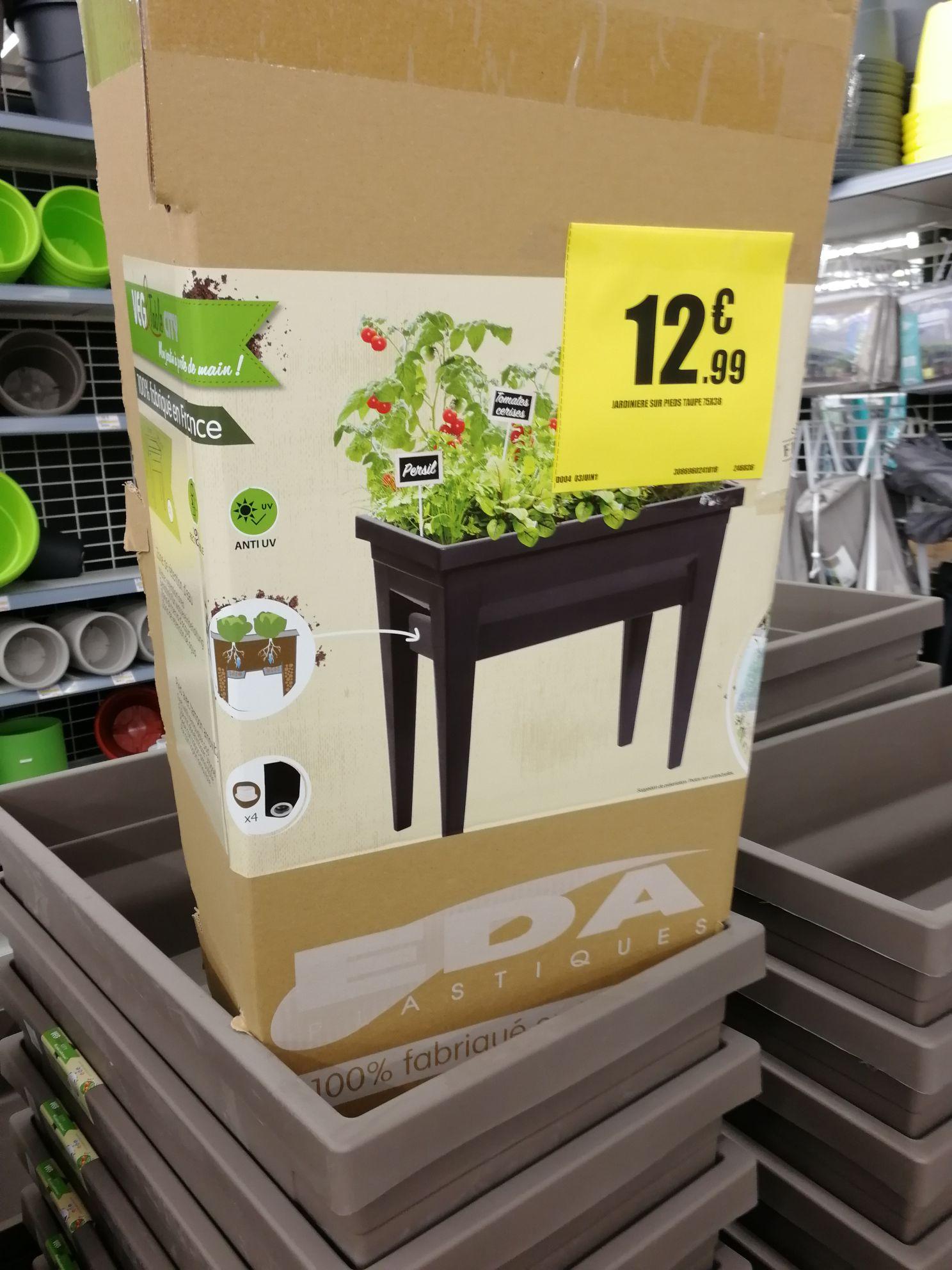 Jardiniere potager sur pied Eda ou coffre de rangement jardin /Bon de réduction de 10€ des 20€ d'achat hors promo  - Dammarie-les-Lys (77)