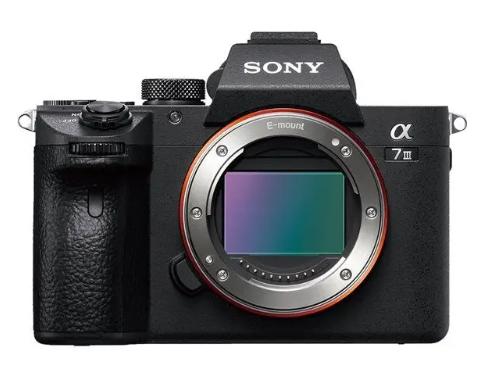 Appareil Photo Hybride Sony Alpha 7 III - Boitier Nu (+245,40 € en SuperPoints)