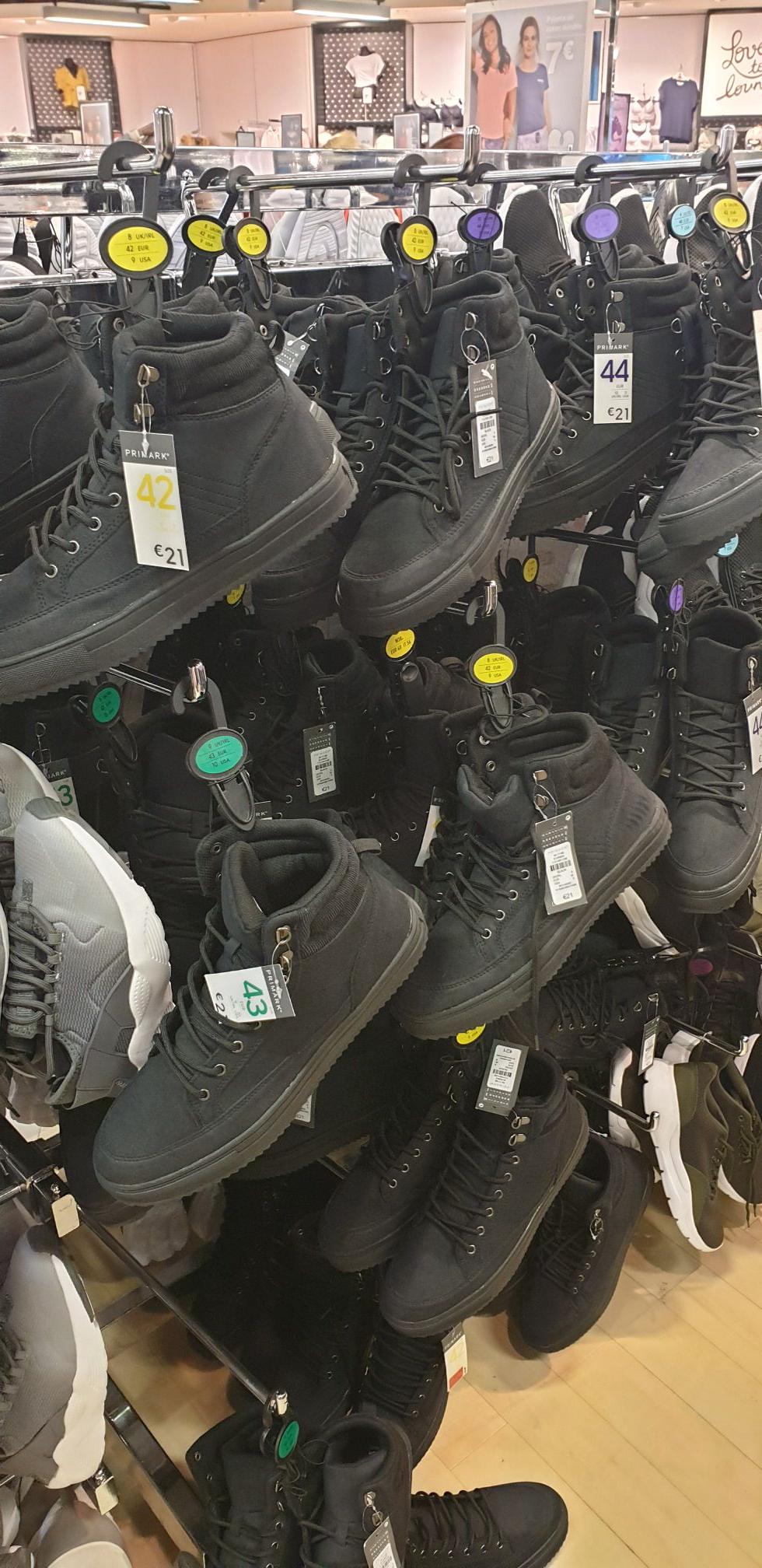 Chaussure homme noire - Primark de Aulnay-sous-Bois (93)