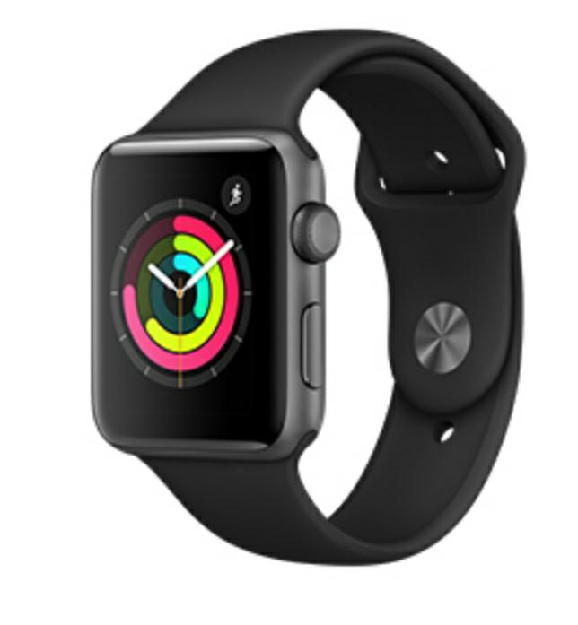 Montre connectée Apple Watch Series 3 boîtier 42 mm aluminium gris sidéral bracelet sport noir (via ODR de 50€)