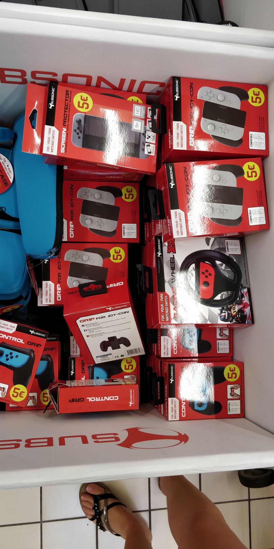 Sélection d'Accessoires Subsonic pour Nintendo Switch à 5€ - Leers (59)