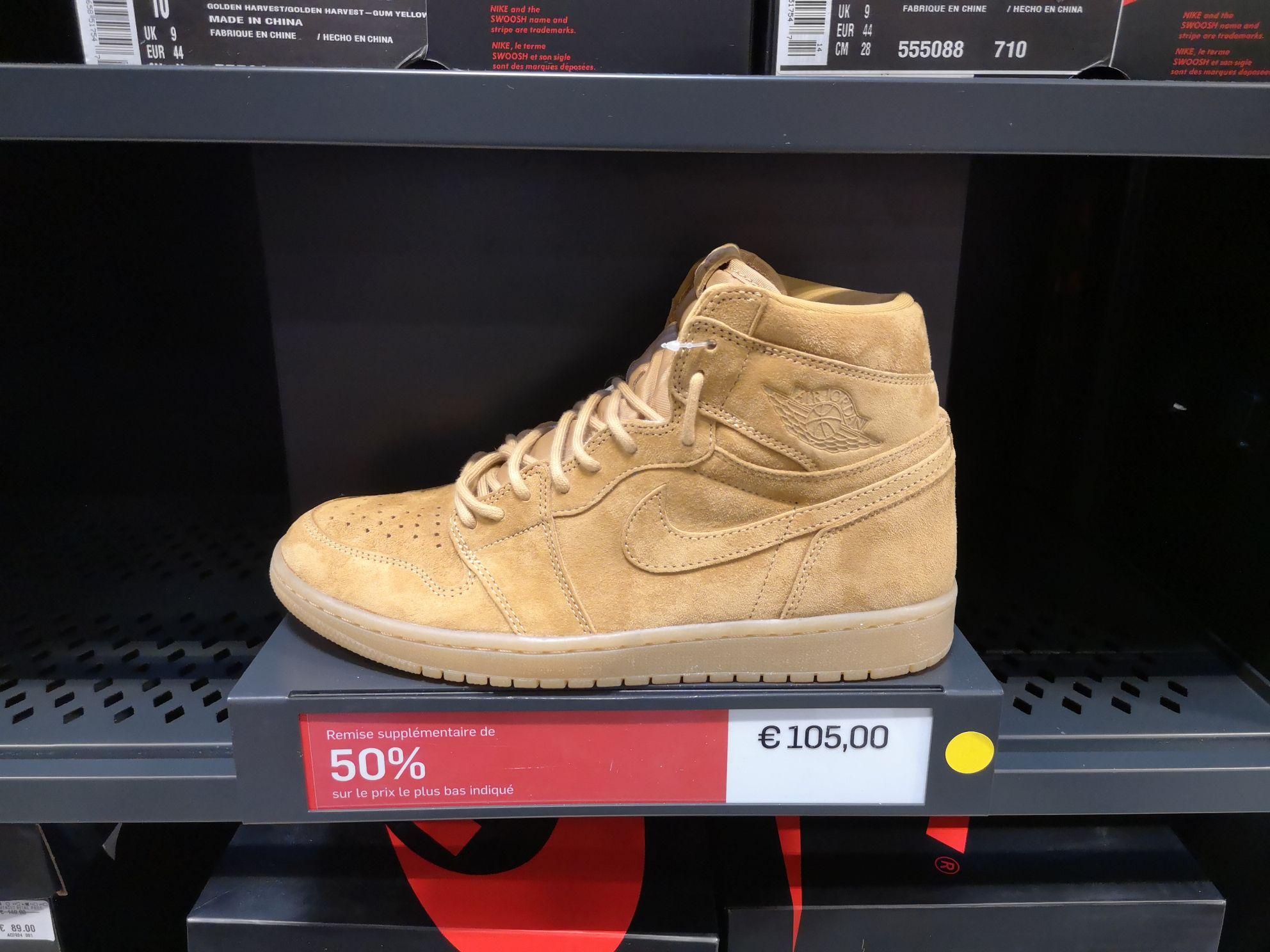Baskets montantes Nike Air Jordan 1 Retro High OG - Outlet Villefontaine (38)
