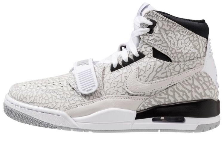 Baskets Montantes Nike Air Jordan Legacy (63.75€ avec le code TOPDEPART)
