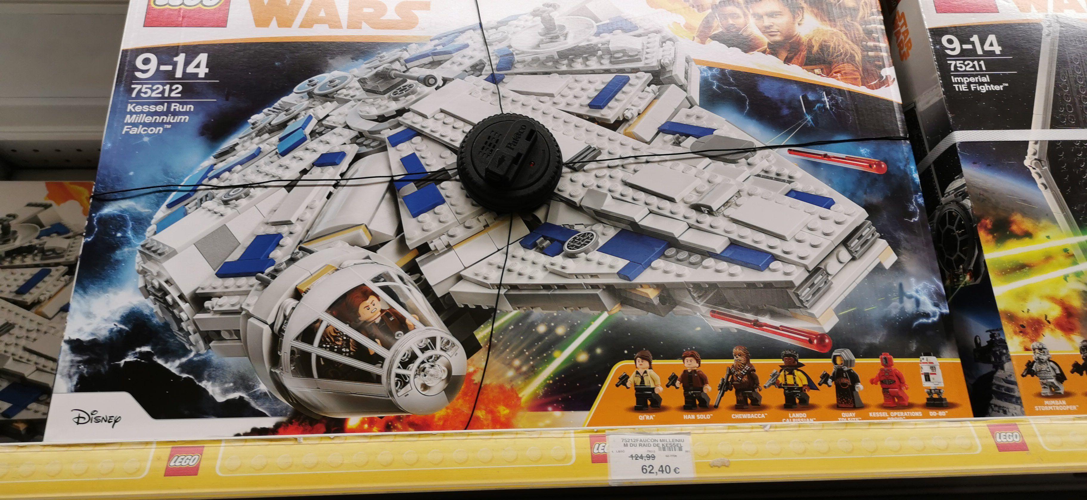 Jeu de construction Lego faucon millénium de Raid n°75212 - Toys'r'us Millénaire Aubervilliers (93)