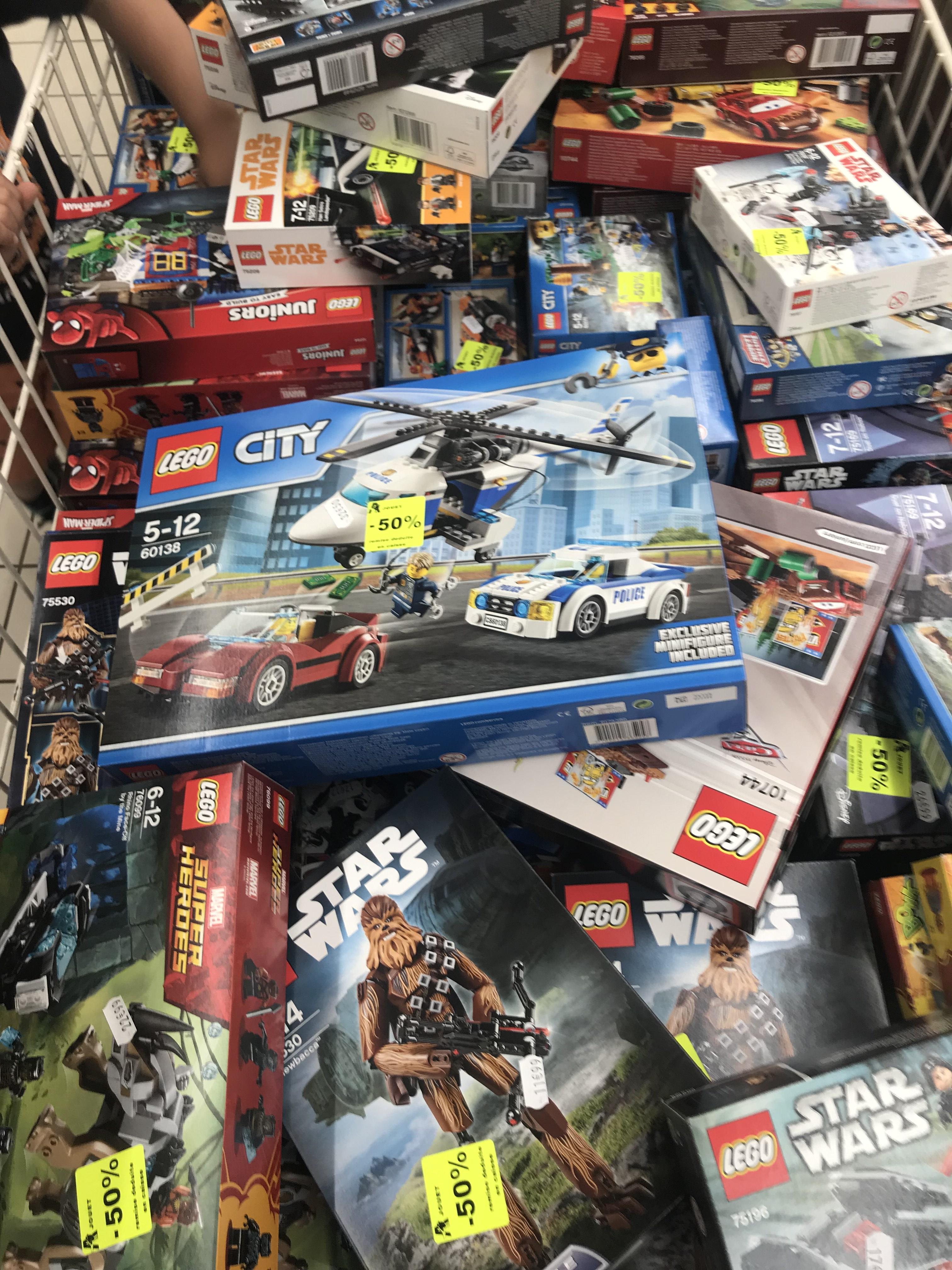 50% de réduction sur une sélection de LEGO Ninjago et Star Wars - Villars (42)