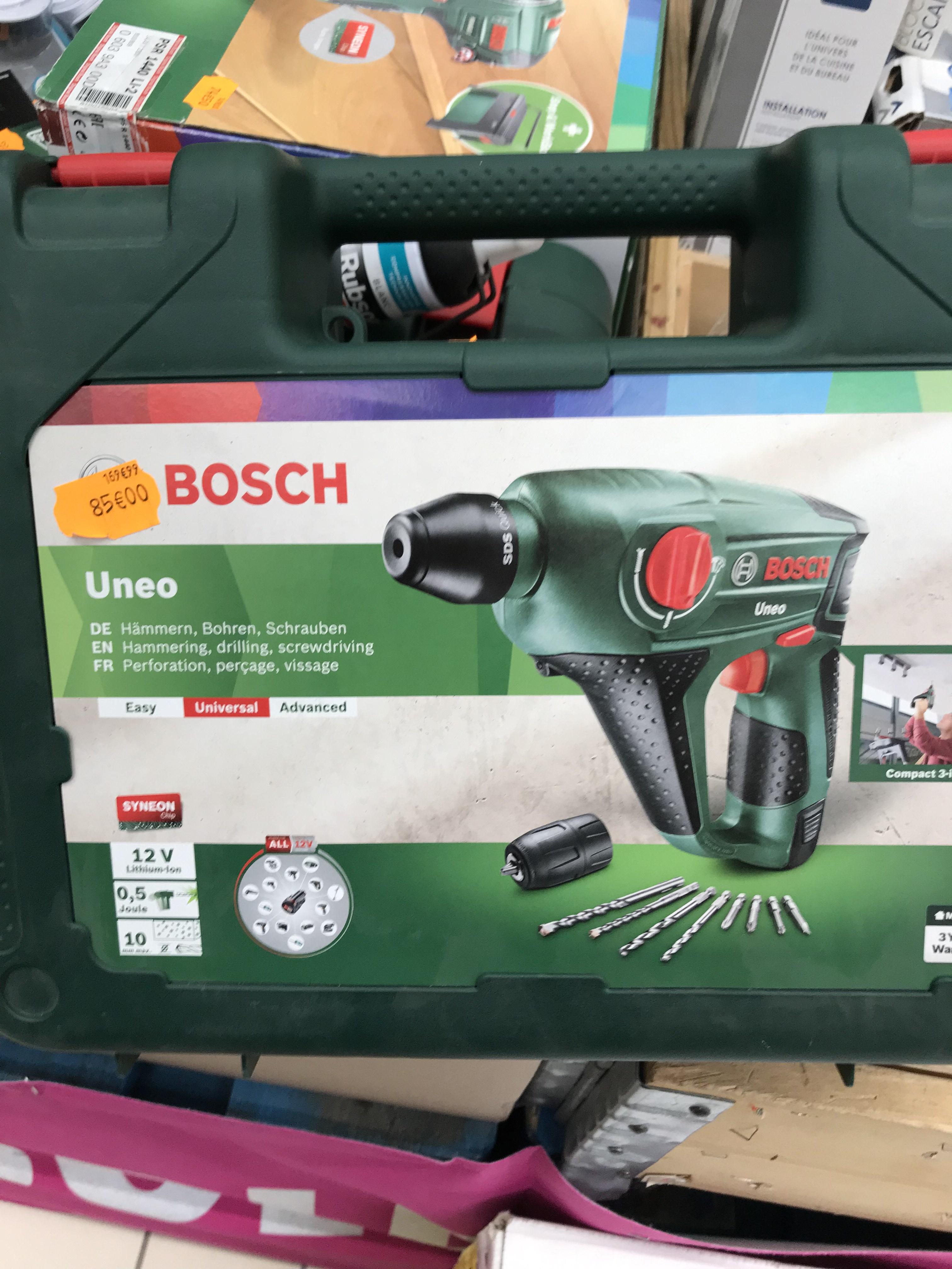 Sélection d'outils en promotion BOSCH ET BLACK ET DECKER A MOINS 50% à CARREFOUR LIMAY 78520