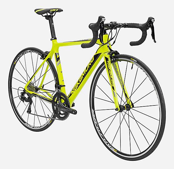 Vélo de route Nakamura Century 300C - Cadre carbone, Shimano 105, roues Mavic Aksium