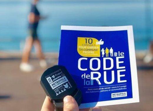 Distribution gratuite de 20000 Cendriers de Plage - Nice (06)
