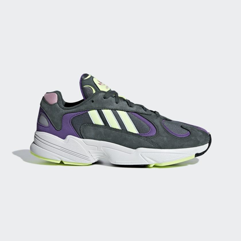 Sélection de chaussures en soldes - Ex : Chaussures adidas Yung-1 - Coloris au choix (41.99€ pour les étudiants)