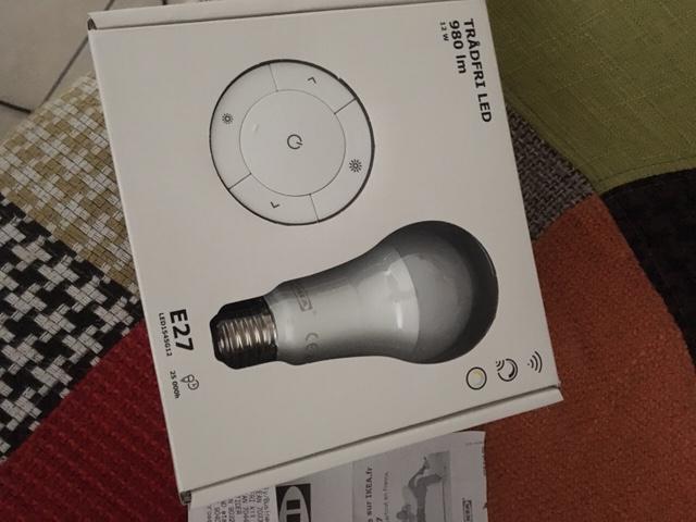 Kit Tradfri 980 lm (ampoule + télécommande) -  Caen (14)
