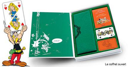 """le coffret de jeux de cartes """"Astérix Légionnaire"""" + un stylo Astérix"""