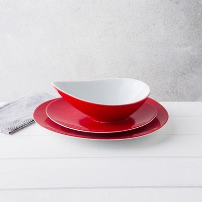 Service 18 assiettes Couzon Sven - en porcelaine, blanc / rouge ou blanc / noir