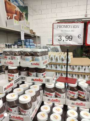 Pot de Nutella - 1Kg - Rungis Market Chevilly-Larue (94)