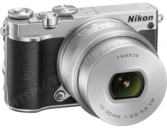 Appareil photo Hybride Nikon 1 J5 +  Nikkor VR 10-30mm f/3.5-5.6 PD Zoom gris (Via ODR 50€)