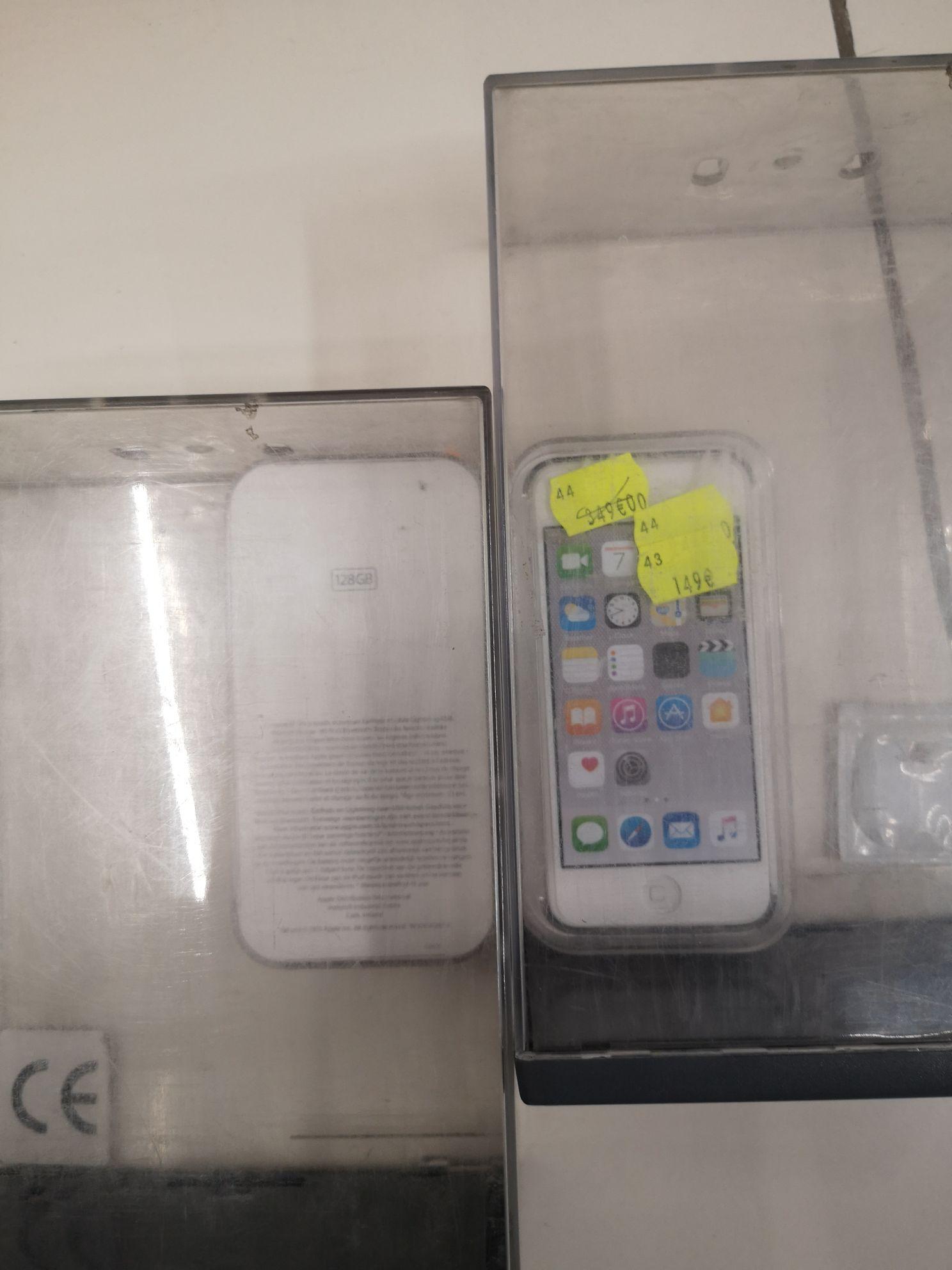 """Baladeur Numérique 4"""" Apple iPod Touch, 128Go - Carrefour Bourges(18)"""